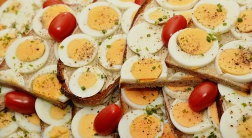 Kiaušiniai maistingi, bet turi būti saugiai vartojami