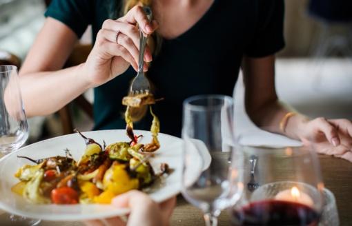 Ką daryti, kad per šventes nekankintų nerimas dėl papildomų kilogramų?