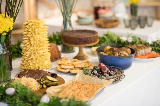 Po švenčių likę maisto likučiai: kada ir kaip juos saugiai panaudoti