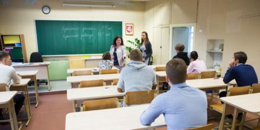 Abiturientai pradeda laikyti brandos egzaminus
