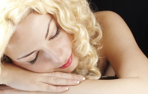 Pavasario įtaka odai: atopinio dermatito pažeista oda atvira infekcijoms