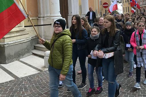 """""""Saulės vaikai"""" Italijoje iškovojo sidabro medalį"""