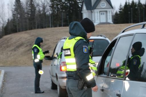 Saugaus eismo diena vienam Telšių vairuotojui pažymėta alkoholiu (FOTO)