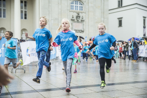 Jubiliejų švenčianti UNICEF Lietuva vaikų bėgimu sujungs net 5 miestus