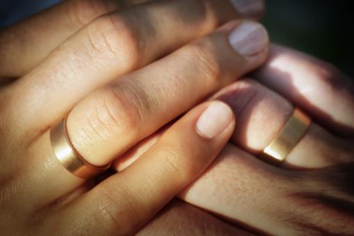 """Kai dėl vestuvinio žiedo """"pūva"""" pirštas..."""