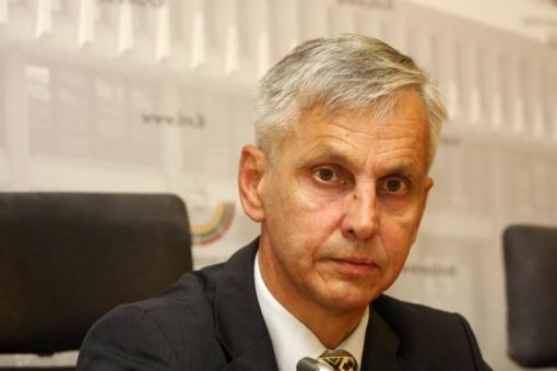 """P. Urbšys nerimauja: R. Karbauskis kenkia """"valstiečių"""" vertybėms"""