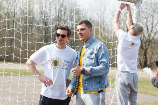 Žinomi vyrai į pergalę vedė futbolo komandas iš vaikų globos namų (FOTO)