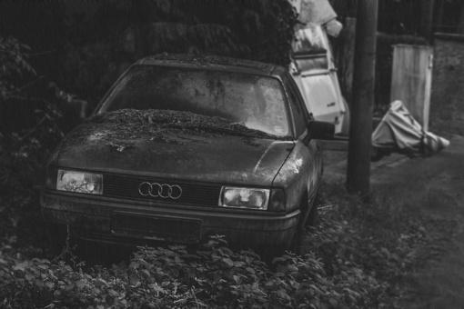 Plungės rajone po į griovį įvažiavusiu automobiliu rastas vyro kūnas