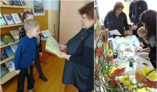 """Vydūno viešosios bibliotekos Žukų filiale vyko kūrybinė-edukacinė popietė """"100-as žiedelių bibliotekos kiemeliui"""""""