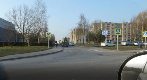 Kėdainiuose tikrinama, kaip prie miesto mokyklų yra laikomasi saugos eismo taisyklių