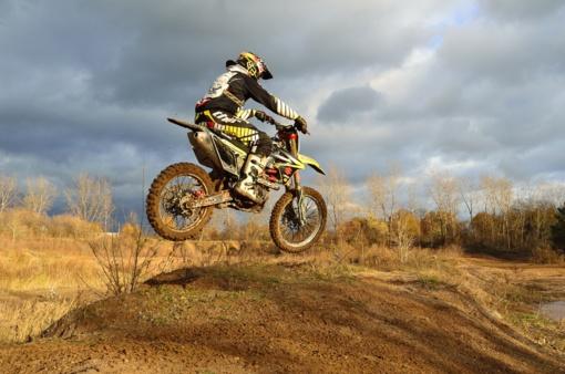Motociklininkas A. Gelažninkas Merzugos ralyje susidūrė su problemomis