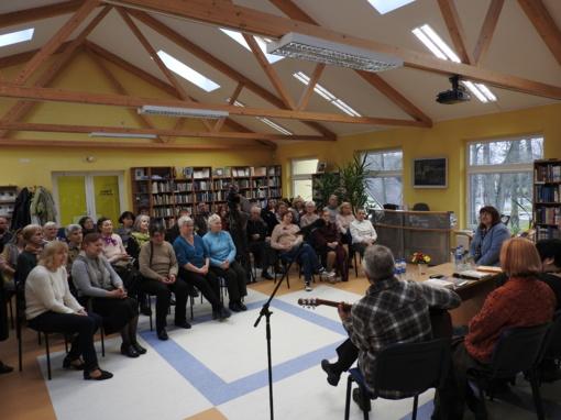 """""""Gintariniai vakarai"""" į Ignalinos biblioteką sukviečia literatūros mylėtojus"""