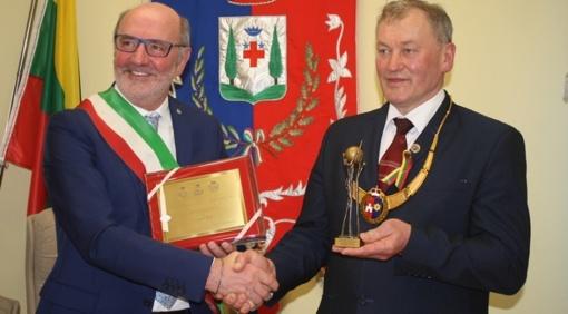 Pasirašyta atnaujinta bendradarbiavimo sutartis su Italijos Alpago savivaldybe