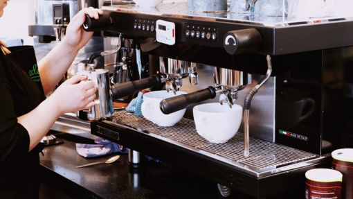 Klaipėdoje sulaikyti kavos aparatus ketinę išplėšti nepilnamečiai