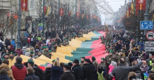 Balandžio 25-ąją Vilniuje vyks iškilminga eisena su trispalvėmis