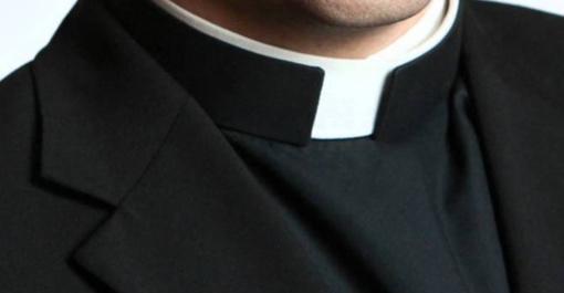 Neblaivus šv. mišias aukojęs kunigas nubaustas 20 eurų bauda
