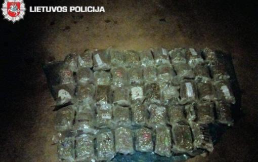 Sulaikytas 15 kilogramų narkotinių medžiagų gabenęs vyras