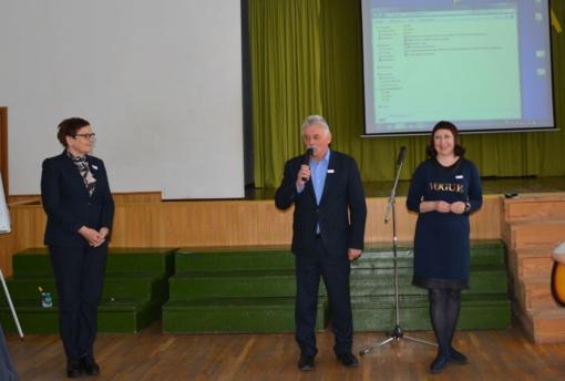 """Varėnoje – projekto """"Lyderių laikas 3 (LL)"""" mokyklų lyderystės iniciatyvų renginys"""