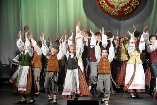Jaunimas pavertė Jonavą tautinių šokių sostine