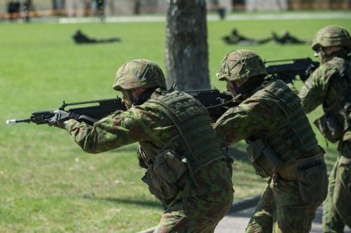 Atvirų durų dieną lankytojams pristatyta Karo akademija ir kariūnų studijos