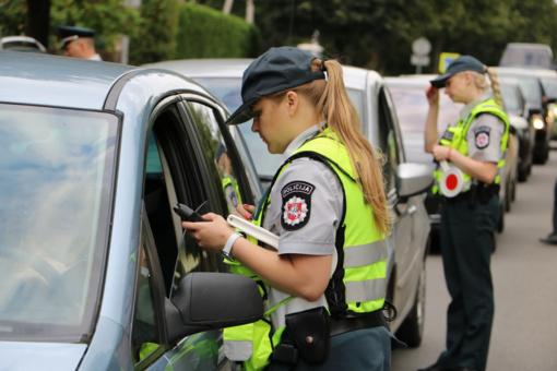 Premjeras nepritaria siūlymams įvesti visiems vairuotojams 0 promilių reikalavimą