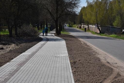 Šalčininkuose tęsiama dviračių ir pėsčiųjų tako statyba (nuotraukų galerija)