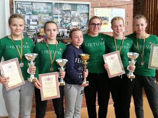 Šiaulių imtynininkės – čempionės