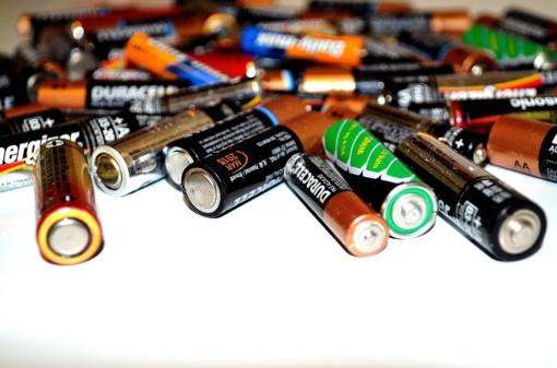 Įdomūs faktai apie baterijas: ką talpina viduje ir kokią grėsmę kelia nerūšiuojant