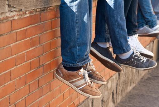Stuburo ir kojų skausmus gali provokuoti netinkama avalynė