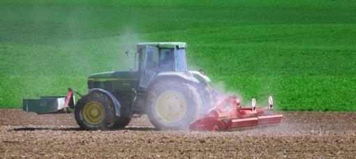 Iš traktorių pavogta beveik 13 tūkst. eurų vertės įranga