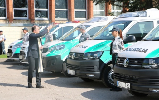 Į gatves išriedėjo nauji modernūs policijos automobiliai