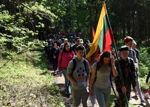 Alytuje – pėsčiųjų žygis, skirtas A. Ramanausko-Vanago 100-osioms gimimo metinėms
