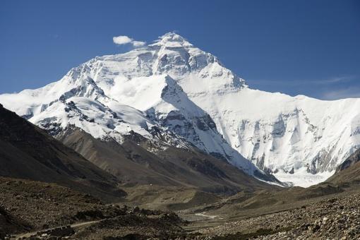 Pirmieji alpinistai šiemet pasiekė Everesto viršūnę