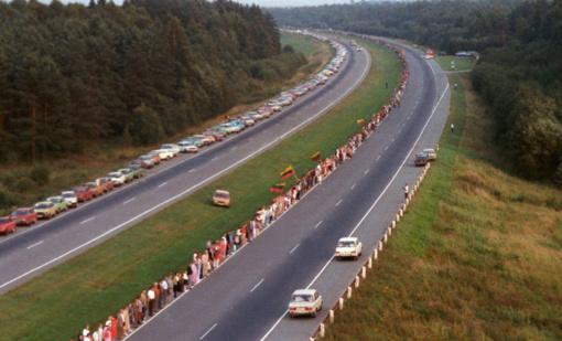 Lietuva, Latvija ir Estija vienija jėgas, simboliškai tęsdamos Baltijos kelią