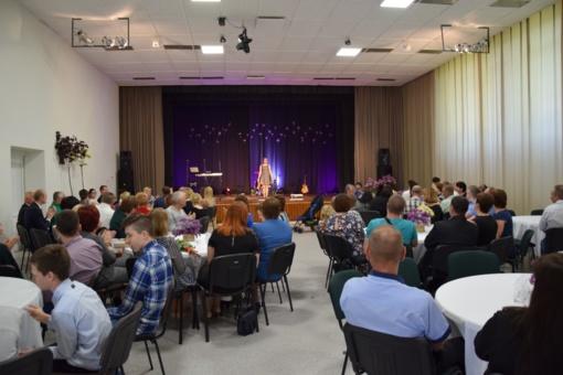 Klausučių kaimo bendruomenė minėjo 15 metų sukaktį ir kultūros namų salės atidarymą