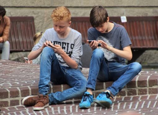 Ką veikti, kol laukiate: pramogos jūsų telefone