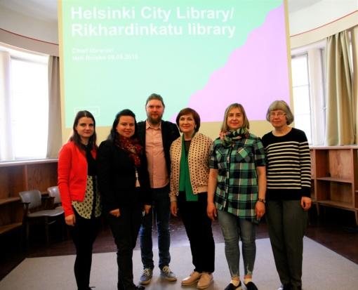 Bibliotekos darbuotojai sėmėsi patirties Helsinkio bibliotekose