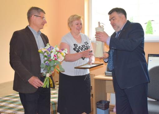 Jubiliejaus proga meras pasveikino greitosios medicinos pagalbos darbuotoją
