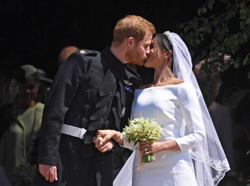 Britų karališkoji šeima padėkojo Harry vestuves šventusiems ir stebėjusiems žmonėms