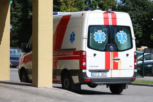 Vilniuje namuose pagimdžiusi moteris išvijo atvykusius medikus