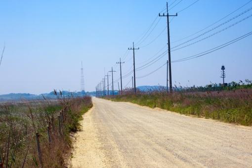 """Susisiekimo ministerija kaltina """"Kamestą"""" neišasfaltavus 55 kilometrų žvyrkelių"""