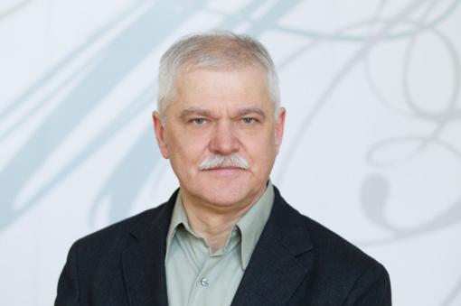 Profesorius Rytis Ambrazevičius lazerius išmainė į muziką