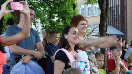 Kaimynų diena Šiauliuose: tradicinė, bet neeilinė gatvės šventė (vaizdo reportažas, nuotraukų galerija)
