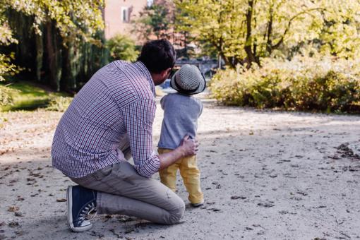 Kaip, metams bėgant, keitėsi tėvo vaidmuo?