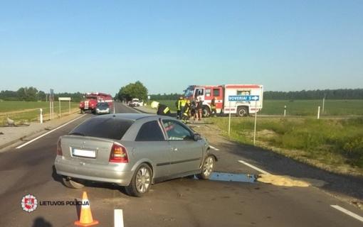 Praėjusi para keliuose: sužeista 16 žmonių, žuvo vairuotojas