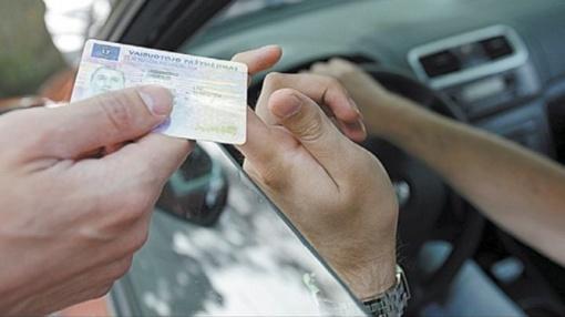 Lietuviškas vairuotojo pažymėjimas turėtų būti pripažįstamas JAV, Japonijoje ir kitose šalyse