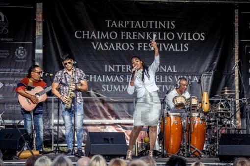 Šiauliuose koncertavę kubiečiai vasaros festivalį pradėjo ugningais ritmais