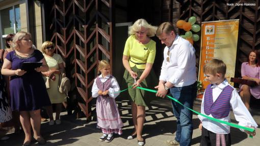 Duris atvėrė nauja, jauki ir draugiška skaitytojams Naisių biblioteka