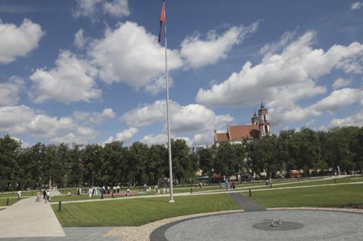 Atgimstanti sostinės Lukiškių aikštė kviečia švęsti laisvę