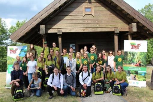 Pergalę nuskynę jaunieji miško bičiuliai rungsis tarptautiniame konkurse